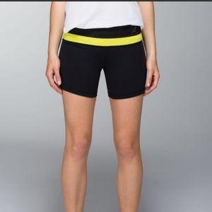 Lululemon Groove reversible shorts black teal sz 6
